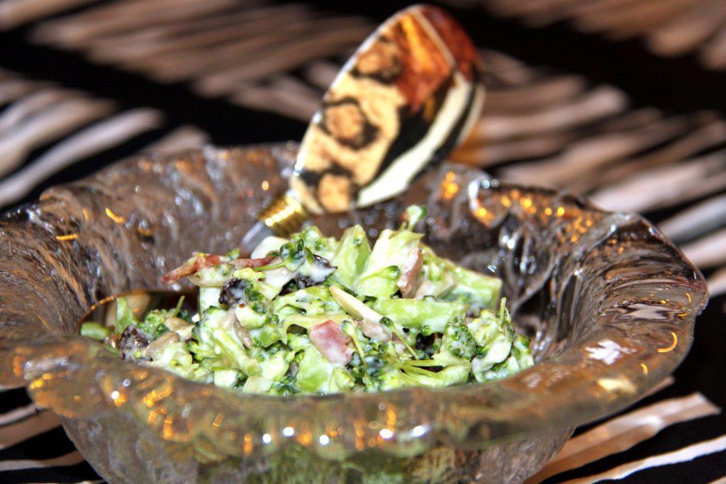 Suedafrikanischer Broccolisalat – South African Broccoli Salad – Pane Bistecca